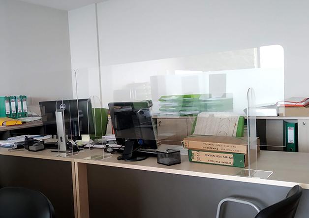 προστατευτικό plexiglass γραφείου