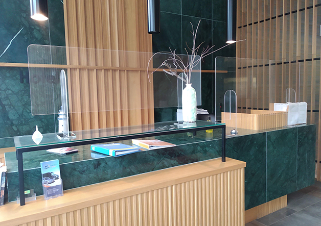 hotel reception plexiglass protection